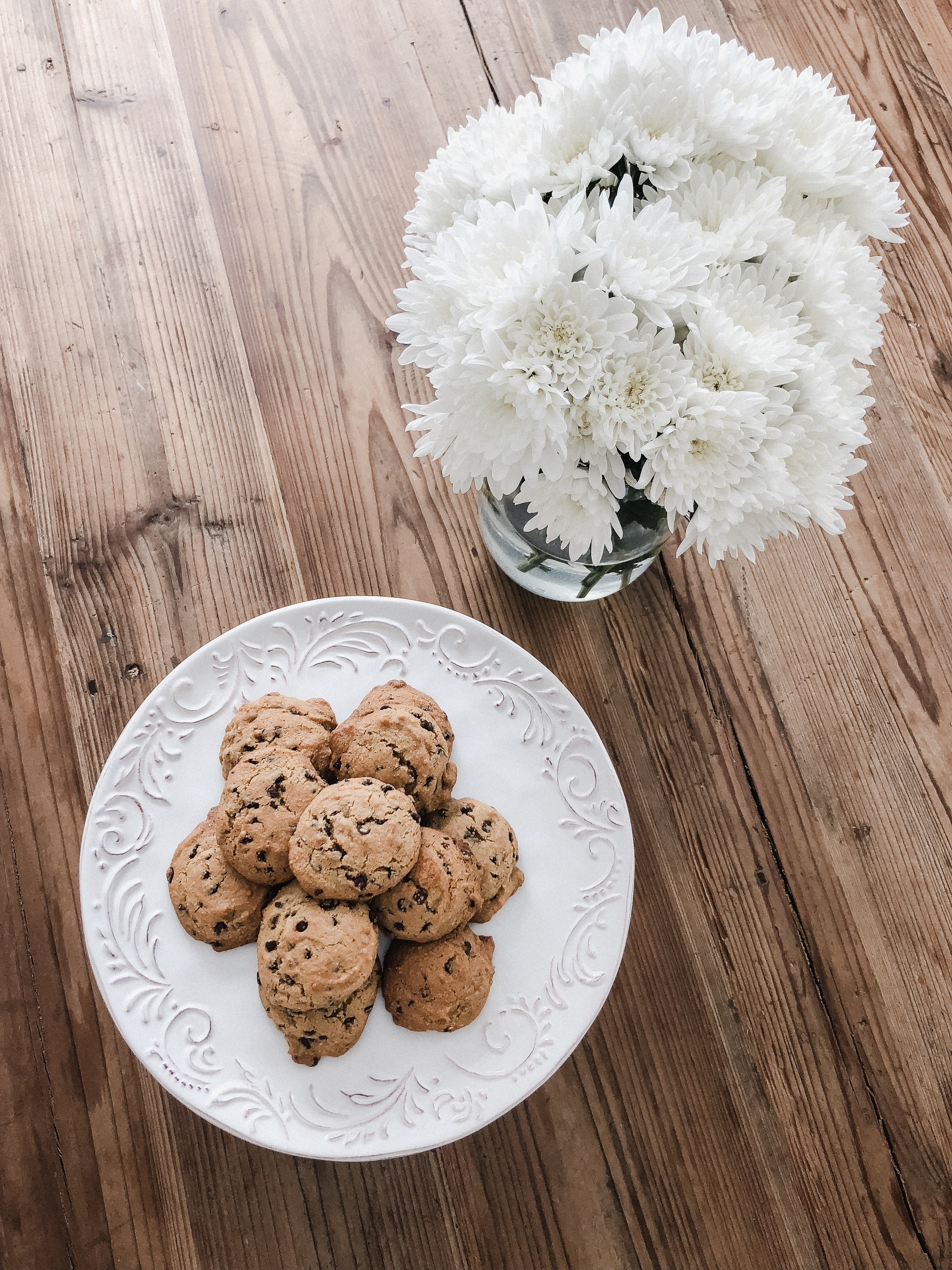 Life and style blogger Lauren McBride shares her Paleo Chocolate Chip cookie recipe that is so delicious you won't believe it's paleo!