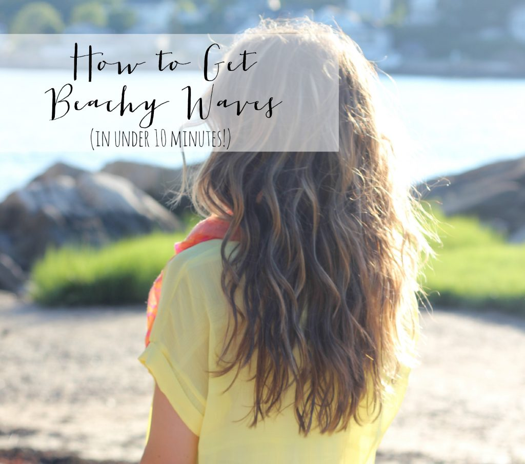 Bookmark this! A quick and easy video teaching you how to get beachy waves using a curling wand!