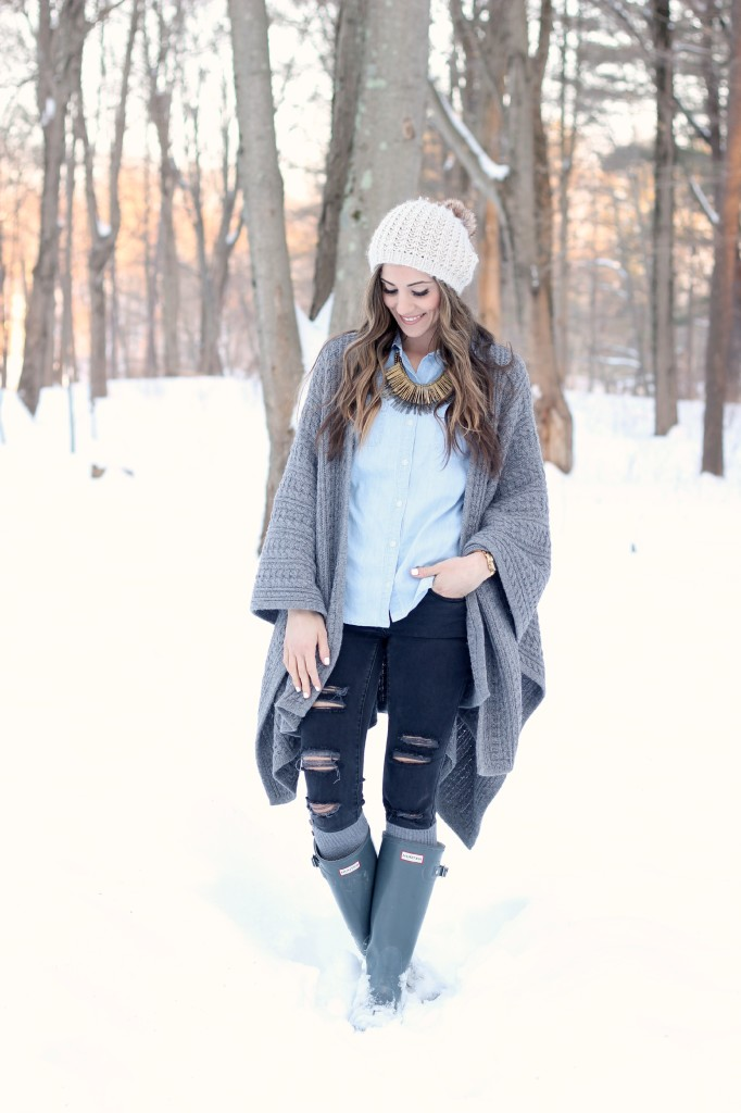 Sweater cardigan, Hunter boots, winter fashion