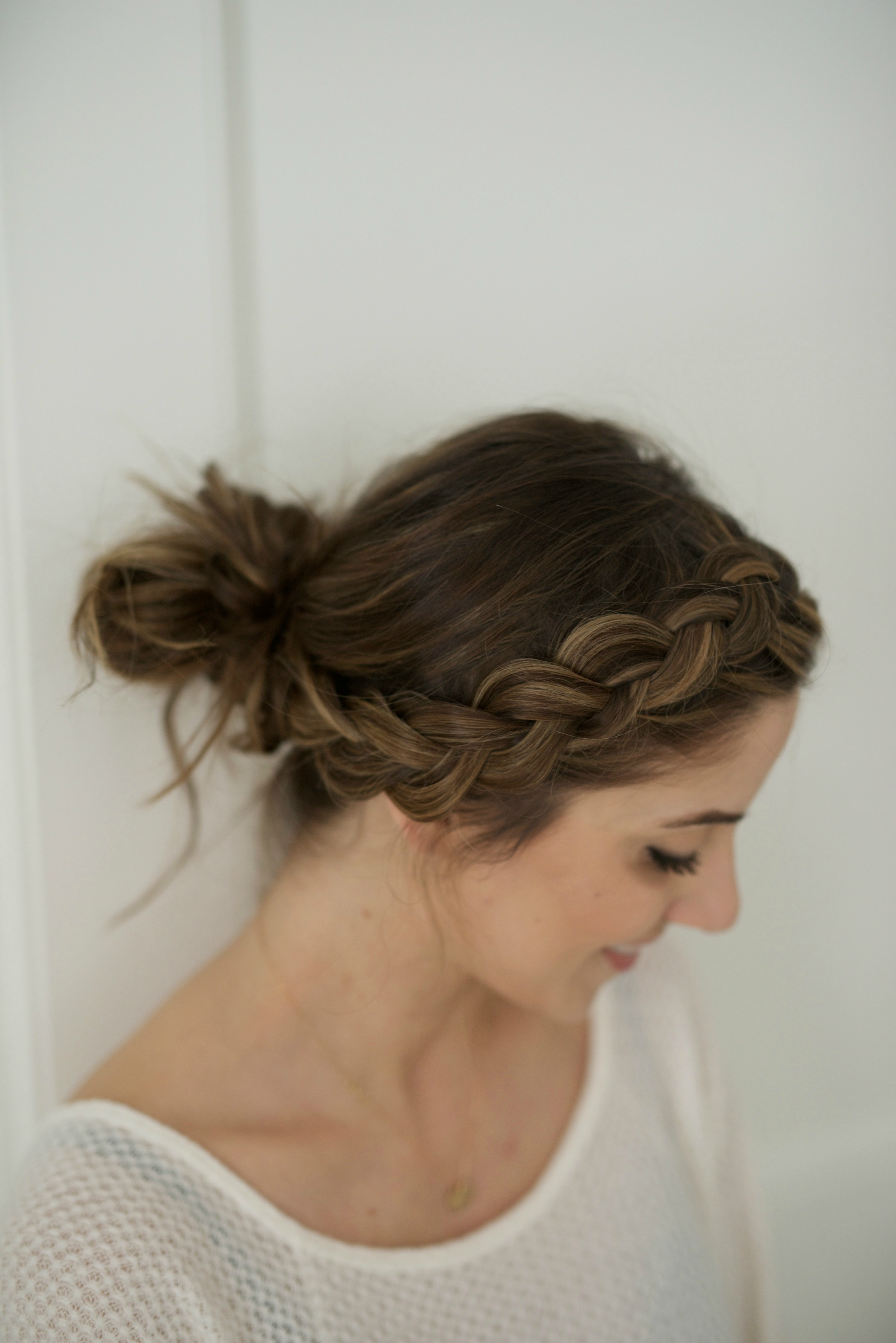 Messy Braided Bun Tutorial featuring Dove Refresh + Care Dry Shampoo, perfect for busy moms!