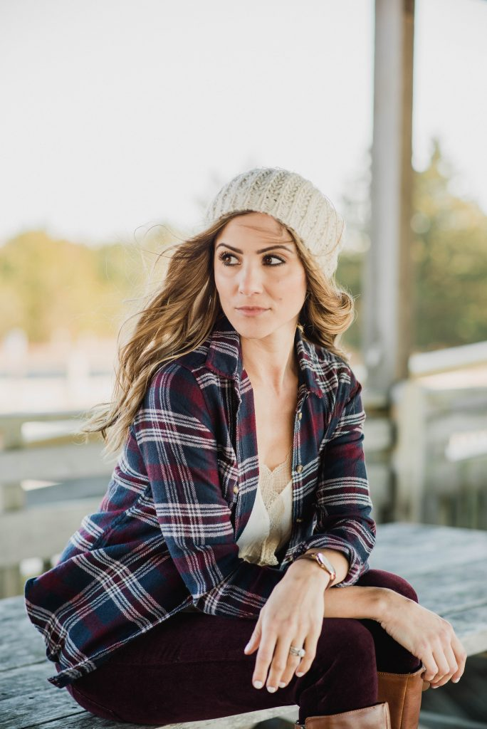 Two holiday card outfit ideas perfect for taking your holiday cards! Both with festive touches like cozy knits, flannel, and lace