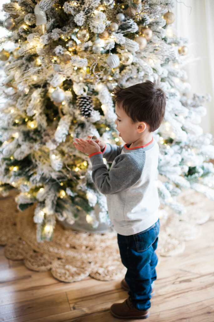 A list of Christmas activities to do with kids, including a short list of local Connecticut kid-friendly events!