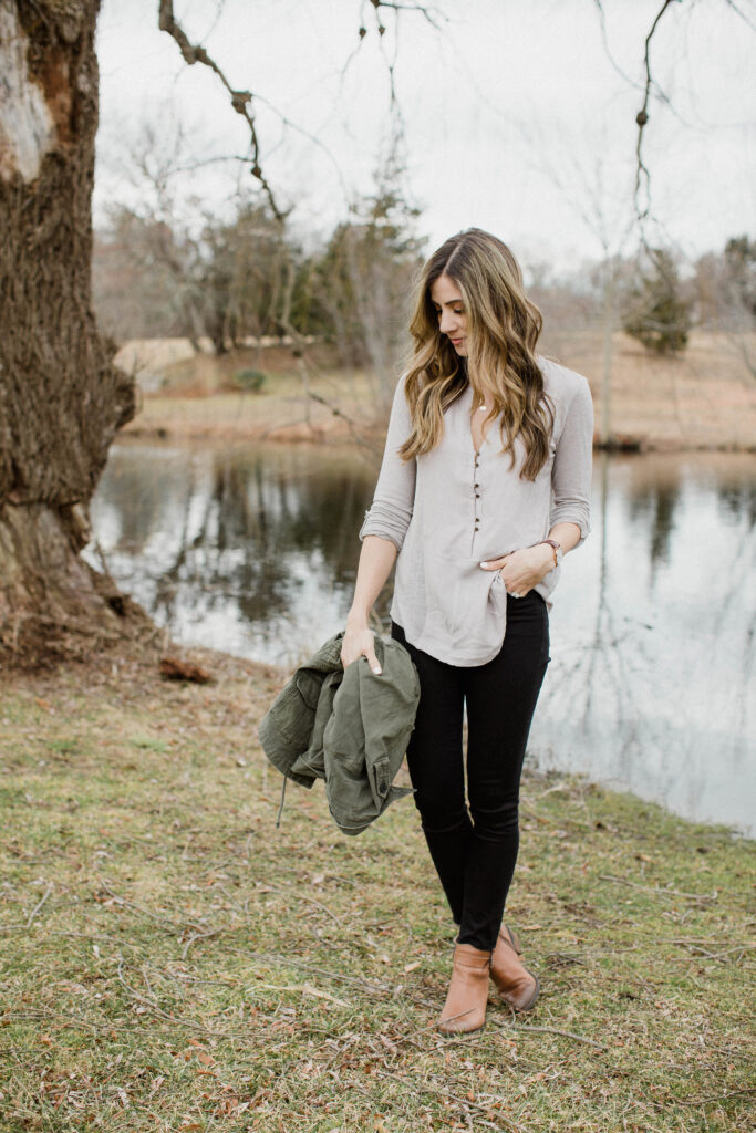This blouse and frayed black skinny jeans are perfect for a casual Valentine's Day outfit!