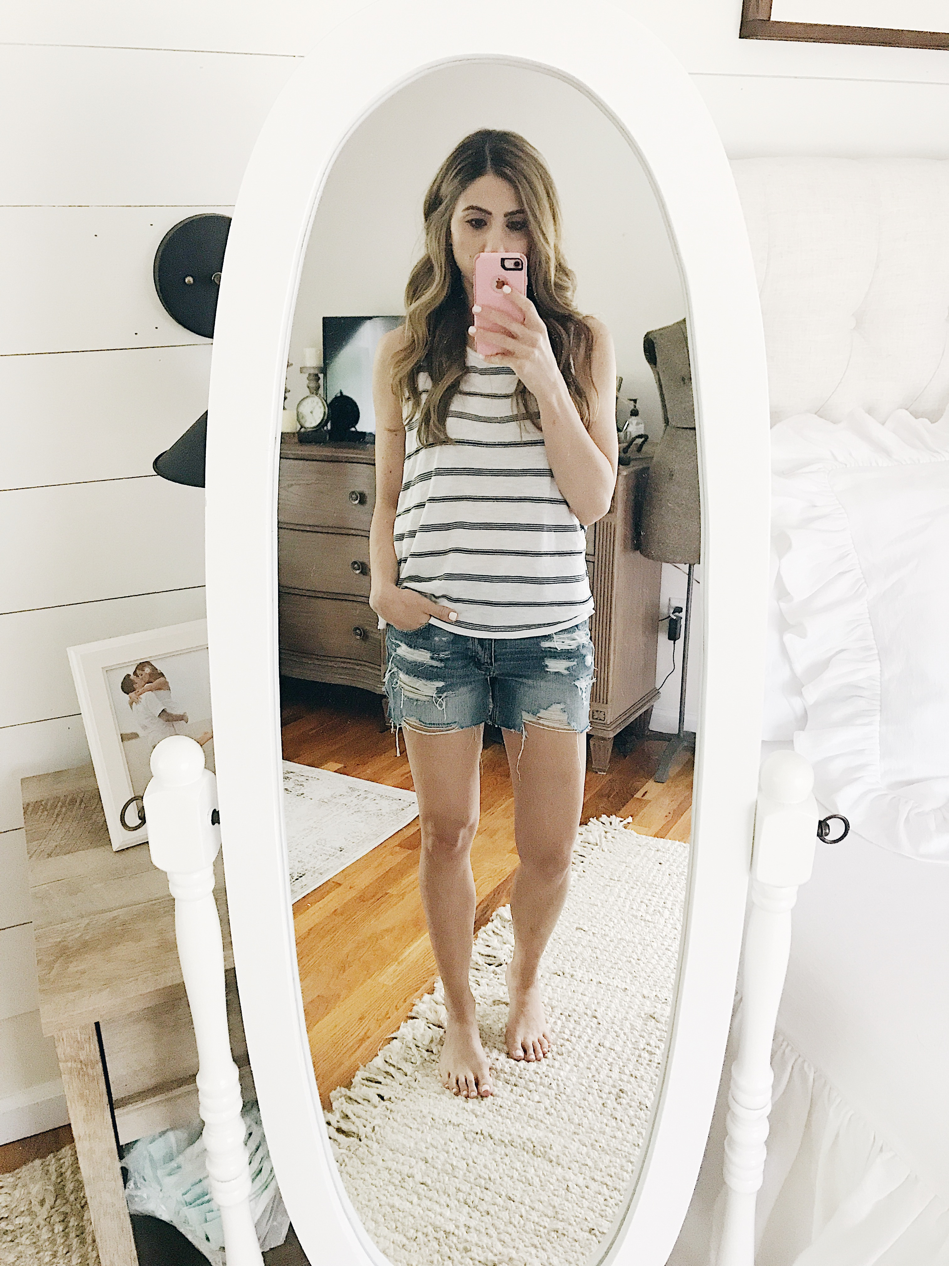 A full review of the Best Mom Shorts, including information on rise, inseam, and photos to show fit! Including a review of American Eagle's Tomgirl shorts.