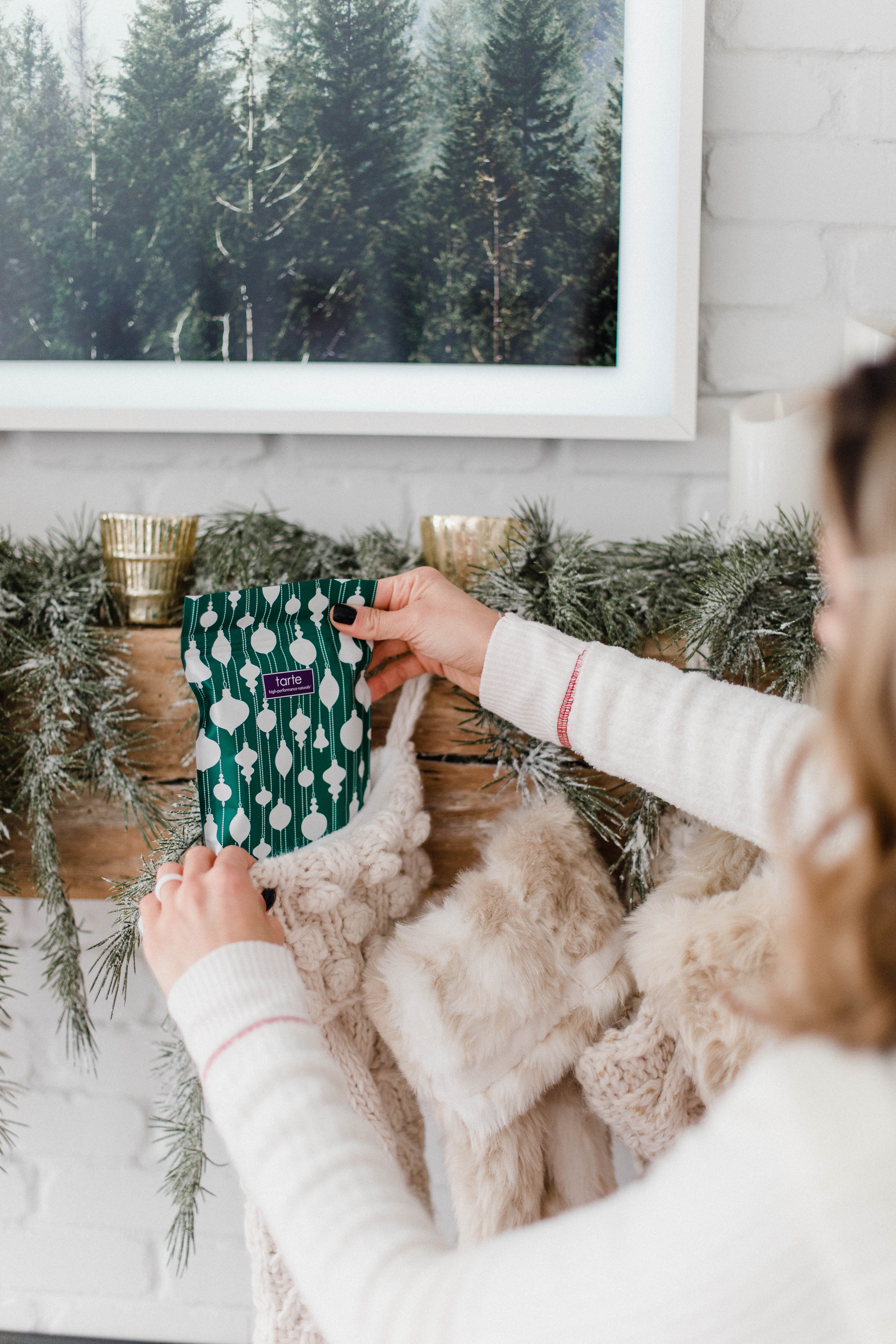 Connecticut life and style blogger Lauren McBride shares last minute beauty stocking stuffer ideas featuring items from QVC.