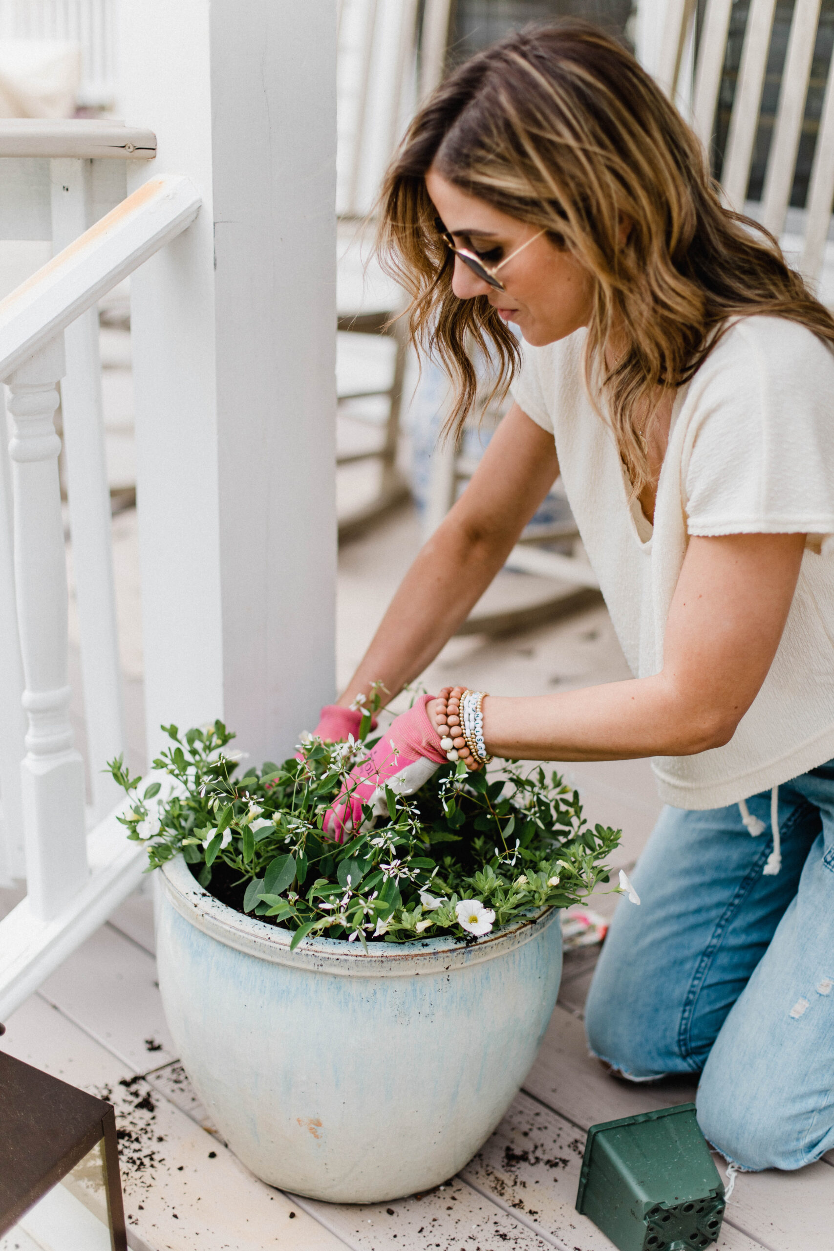 Connecticut life and style blogger Lauren McBride shares five reasons to wear SPF, including a new, hydrating and non-greasy sunscreen.