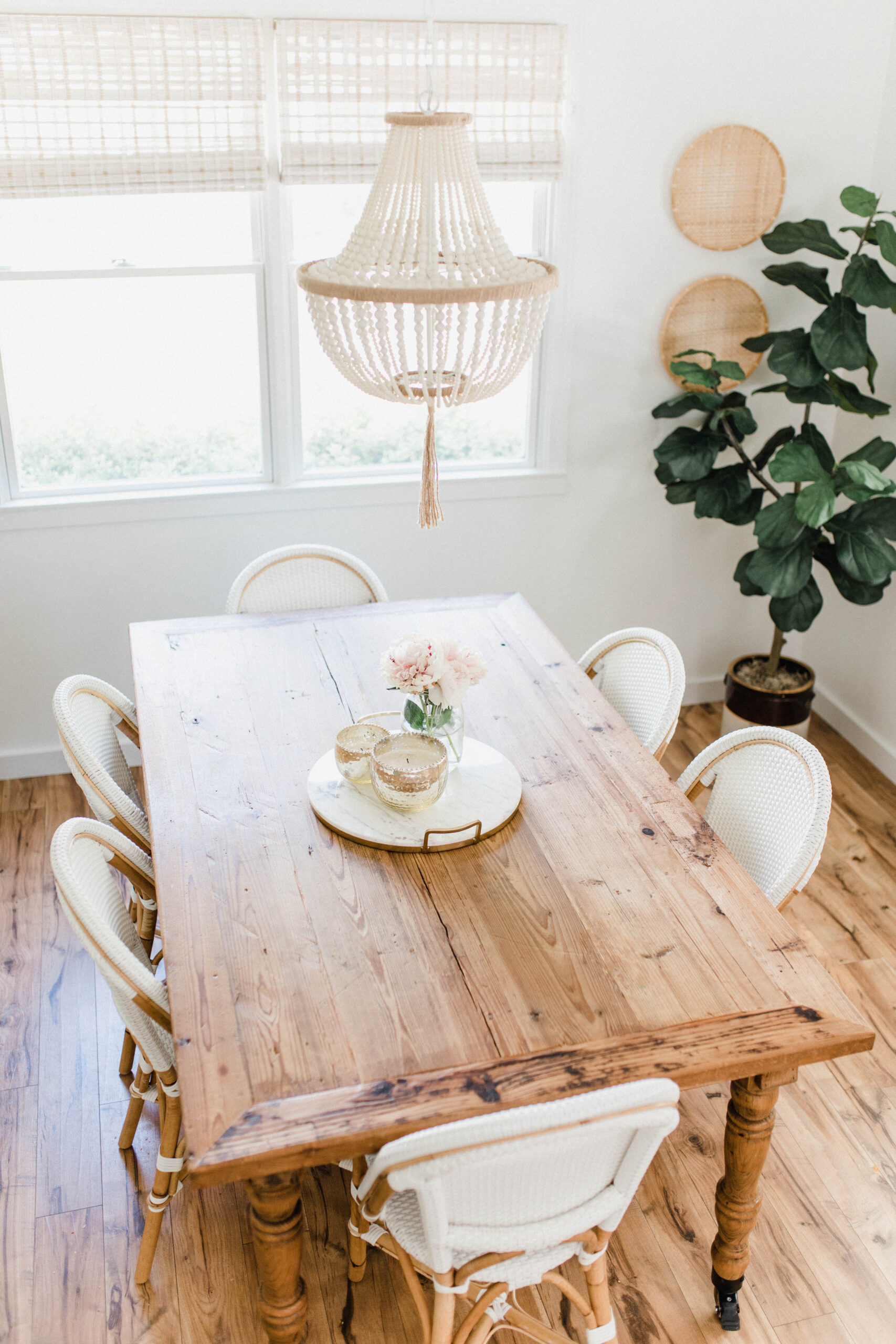 Connecticut life and style blogger Lauren McBride give a peek into her modern coastal dining room, including a source list.